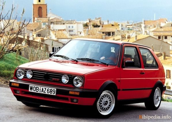 Our spy photographers have recently caught on camera the new volkswagen golf gti club sport as the model in question